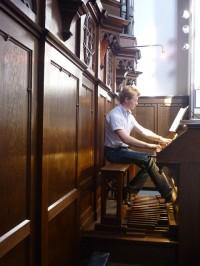 Marc Schippers- vleugel en Henrike van Tuijl - harmonium