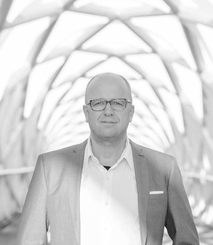 """Opendeur dienst m.m.v. Pieter Dijksman en zanggroep """"Embrace"""""""